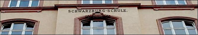 Fasade der Schule